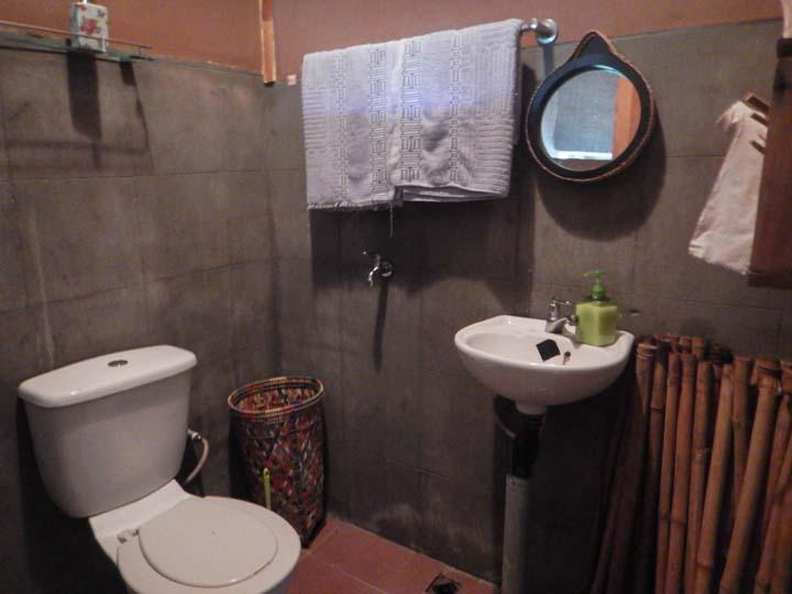 Badezimmer der Kabine im Dschungelcamp