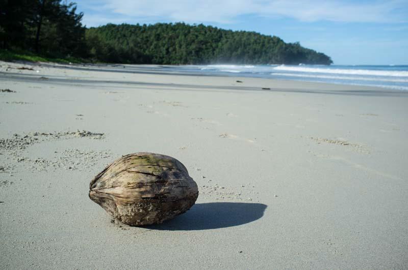 Strand vor dem Tip Top Restaurant an der Spitze Borneos