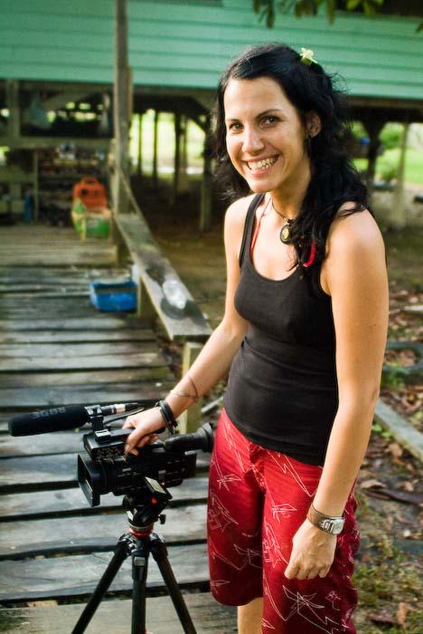 Anne mit Kamera, Mulu Nationalpark, Borneo, Malaysia