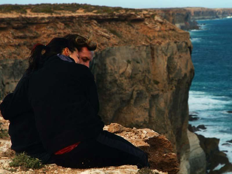 Anne und Bunki an der Steilküste Südaustraliens