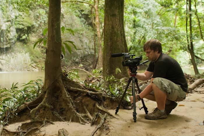 Bunki beim Dreh im Dschungel, Mulu, Borneo Malaysia