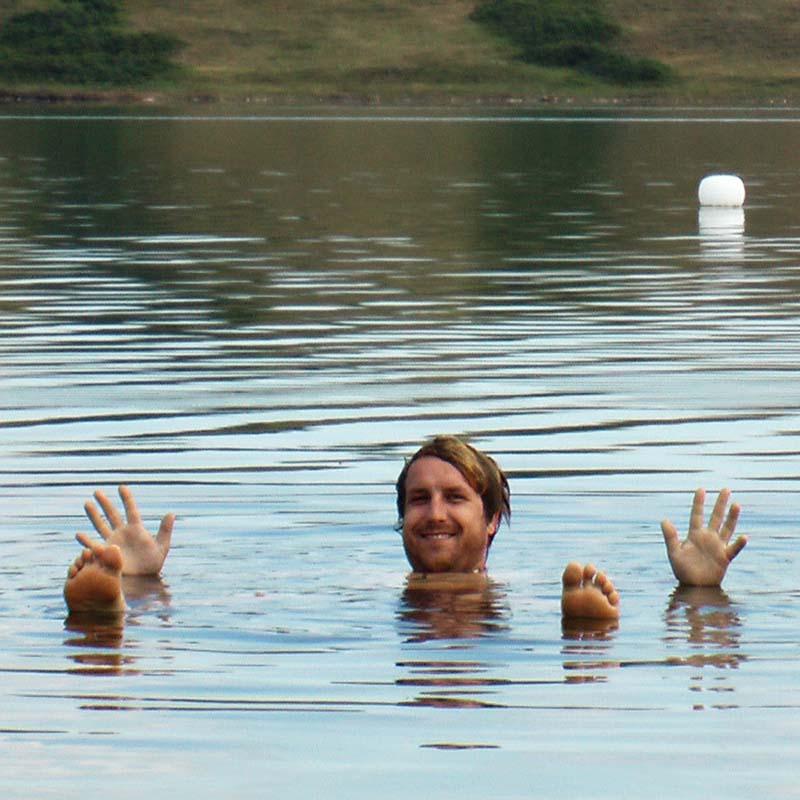 Bunki treibt im See mit dreizehn Mal mehr Salzgehalt als das Tote Meer, Sasketchewan, Kanada