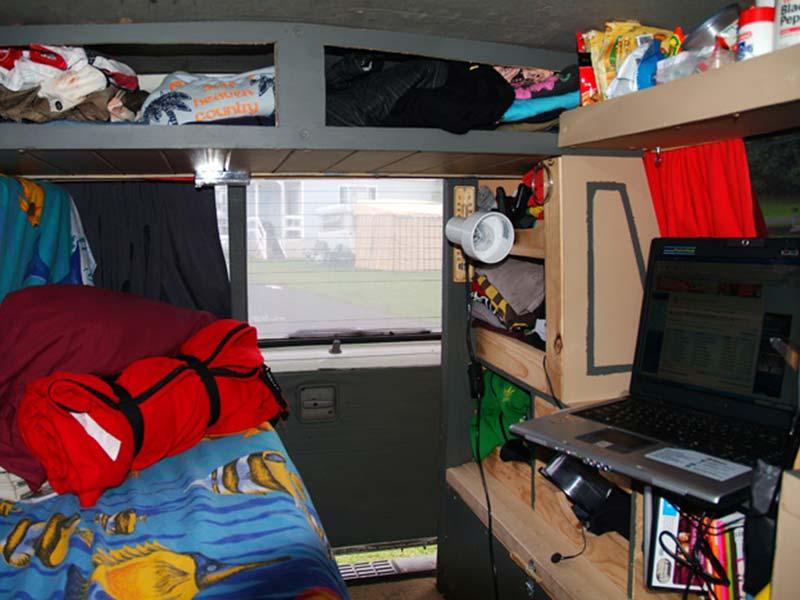 Unser selbst ausgebauter Bus Innenraum