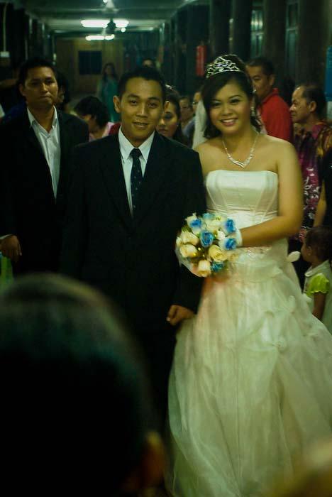 Das Brautpaar kommt, Iban Longhouse, nahe Betong, Borneo