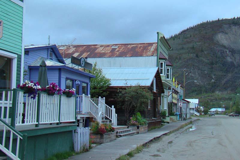 Dawson City mit seinen Holzbürgersteigen, Dawson City, Yukon, Kanada