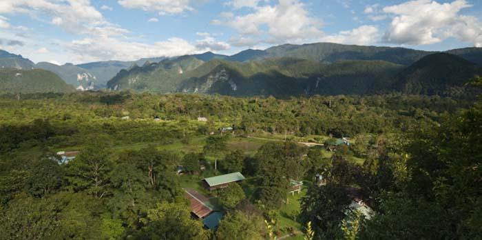 Der Mulu Nationalpark von oben, Borneo Malaysia