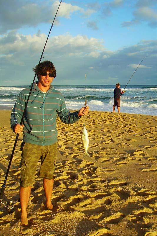 Doeffi und Bunki beim Angeln, 90-Miles-Beach