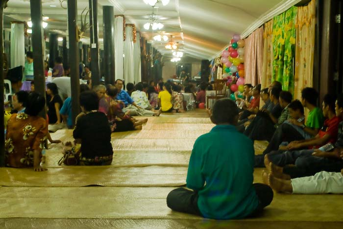 Gemeinschaftshalle des Langhauses, Iban Longhouse, nahe Betong, Borneo