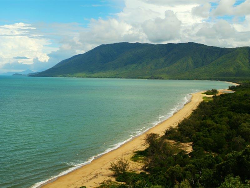 Küstenlandschaft im Norden von Cairns, Queensland