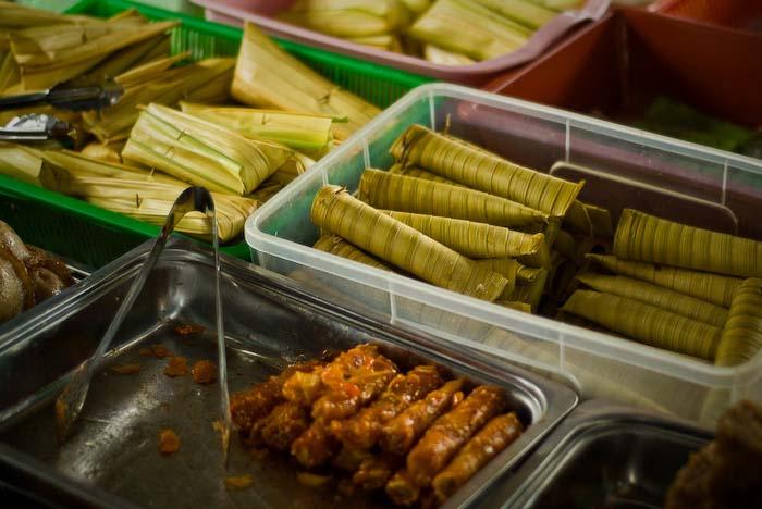 Leckeres vom Markt, nahe Kuching, Borneo