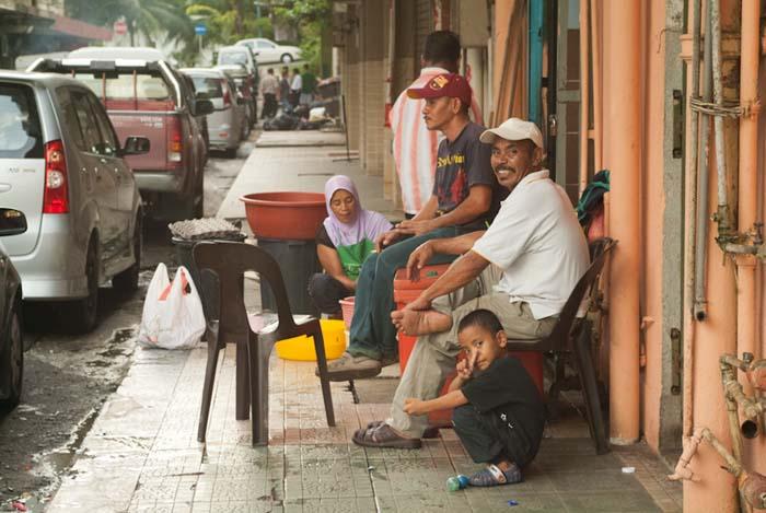 Typisches Stadtbild von Sandakan, Borneo, Malaysia