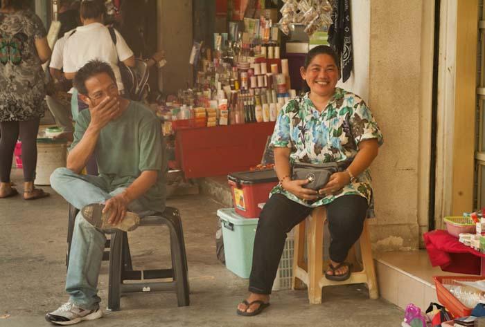 Überall wird freundlich gelächelt, Sandakan, Borneo, Malaysia