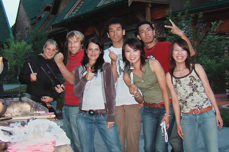 Unsere Truppe beim Abendlichen Grillen, Canmore, Alberta, Kanada