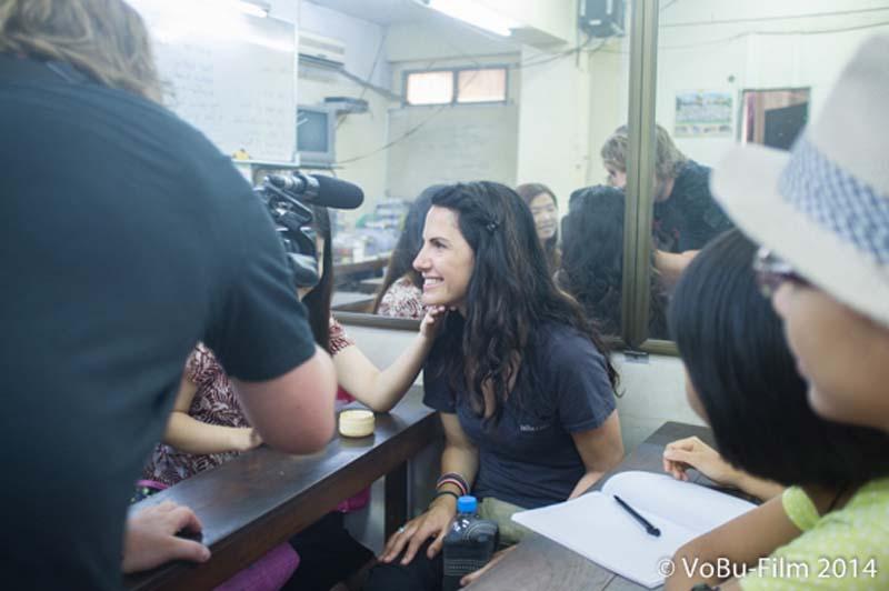 Anne beim Englisch Unterricht, Yangon, Myanmar