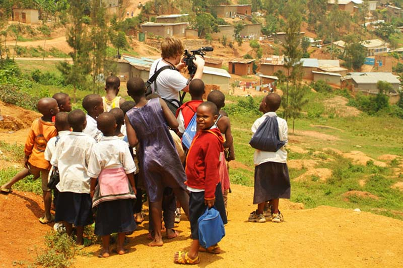 Bunki dreht Stadtaufnahmen, Kigali, Ruanda