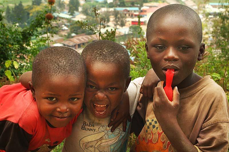 Drei Kinder, Gisenye, Ruanda