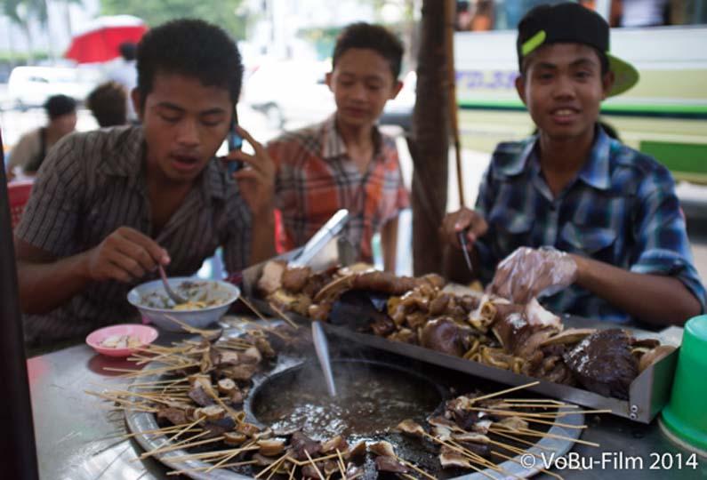 Fritierte Schweineinnerein, Yangon, Myanmar