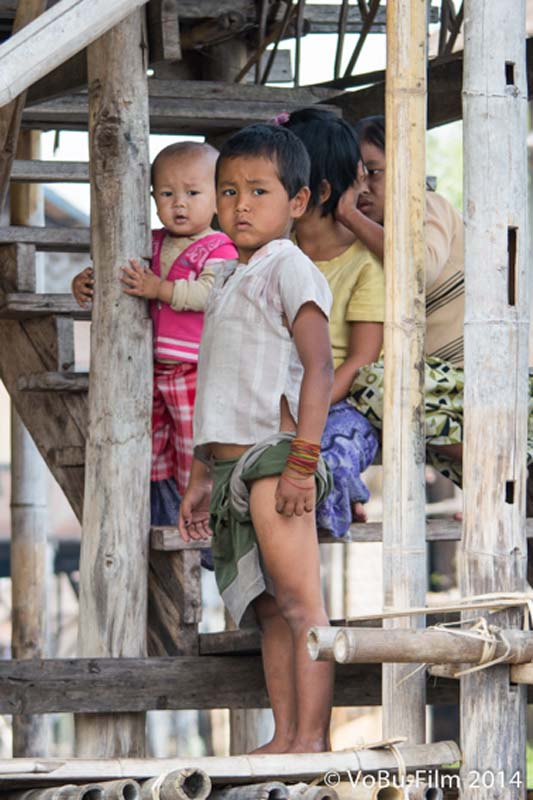 Kinder von den schwimmenden Dörfern, Inle Lake, Myanmar