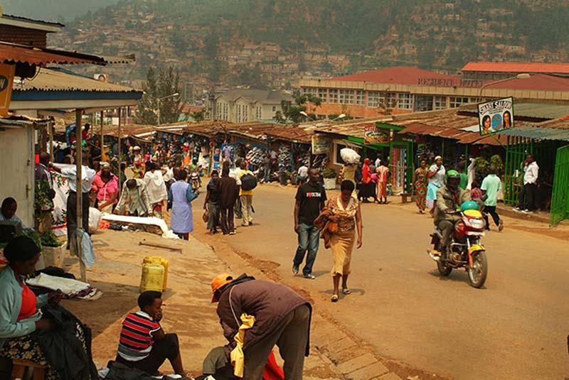 Marktstrasse in Kigali, Ruanda
