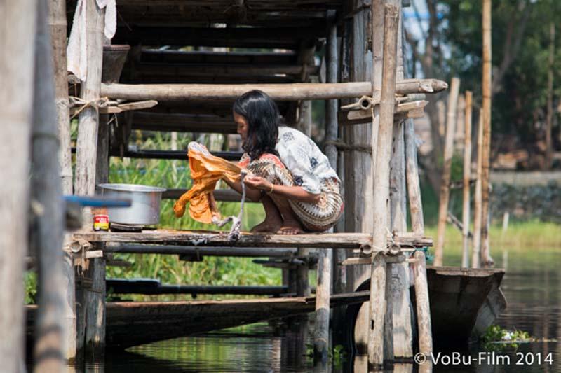 Wäschewaschen, Inle Lake, Myanmar
