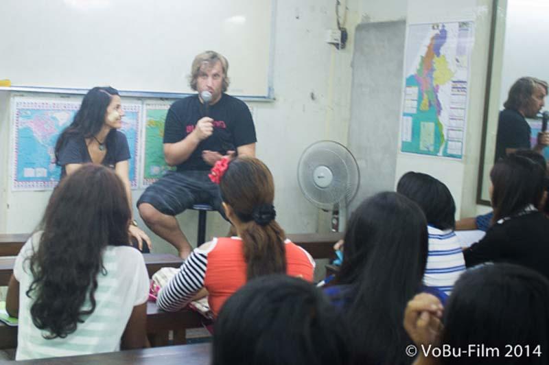 Wir beantworten Fragen, Englisch Unterricht, Yangon, Myanmar